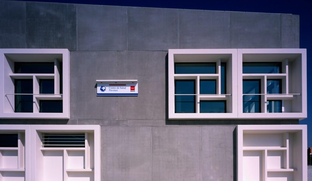 pavones-healthcare-hand-architecture-sergio-de-miguel