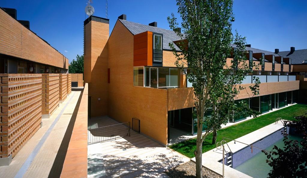 zana-hand-architecture-sergio-de-miguel