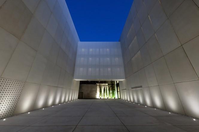 provincial-historical-archive-mallorca-hand-architecture-sergio-de-miguel